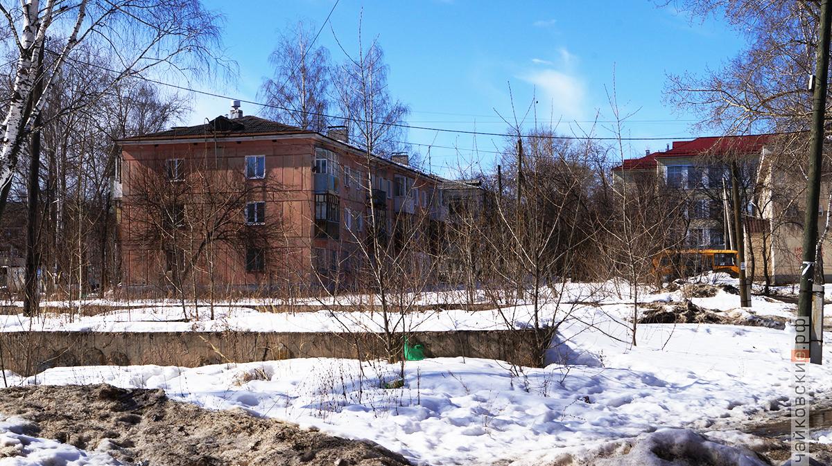 дома для переселенцев, пустырь, чайковский район, 2018 год